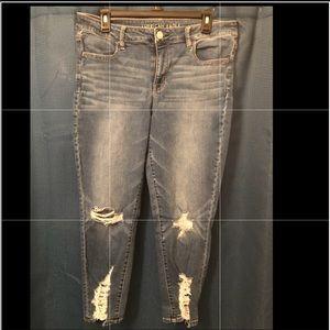 American Eagle Crop Jeans (Stretch)